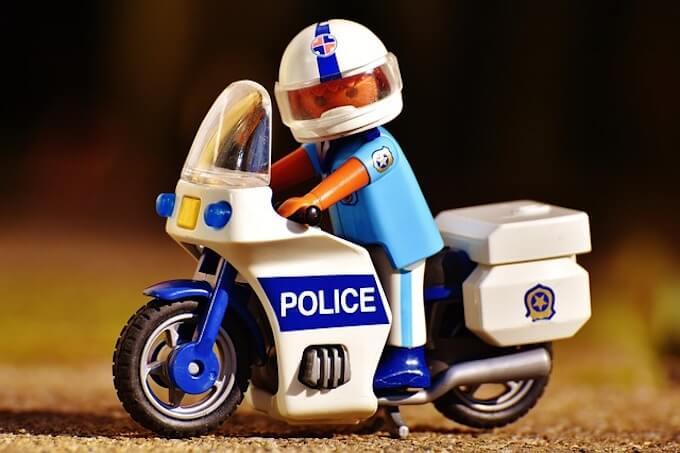 警察のレゴ