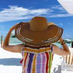 海と麦わら帽子