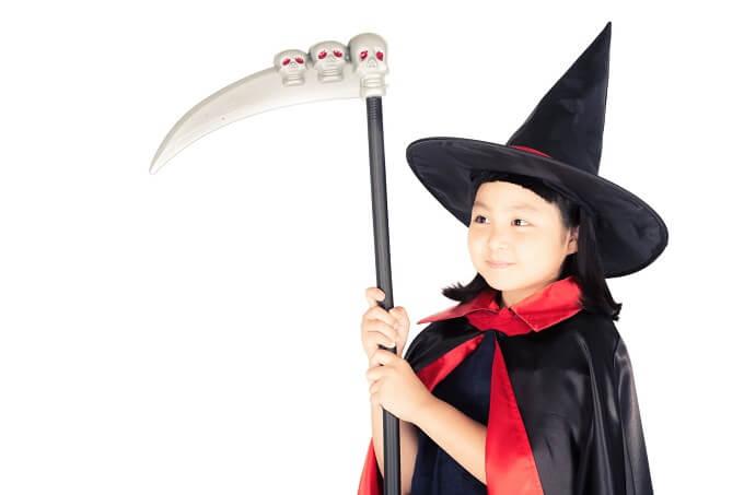 斧を持っている女の子