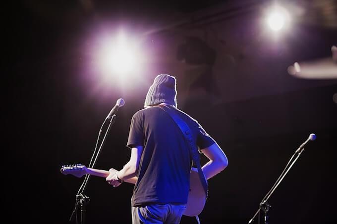 ボーカルギター