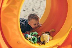 子供と遊具